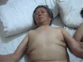 U TUBE GRANNY SEX GRANNY GIVING BLOWJOBS